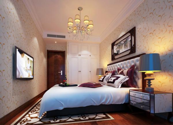 设计理念:儿卧的房间通过简单堆砌的一面墙体,做成通顶的嵌入式衣柜,这样做打破传统买现成家具的储物量少,易藏灰垢的缺点,嵌入式的衣柜为儿卧的空间增加更多收纳空间,上面的空间不再浪费。