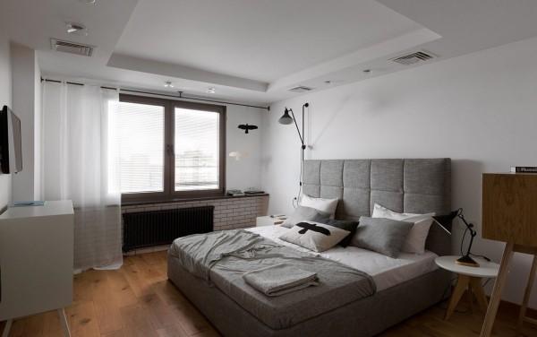 现代风格装修无论房间多大,一定要显得宽敞。不需要繁琐的装潢和过多家具,在装饰与布置中最大限度的体现空间与家具的整体协调。