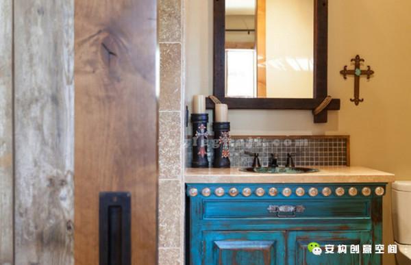 室内放置了很多手工艺品,精心打造的细节让每一件都那么与众不同,独具匠心。