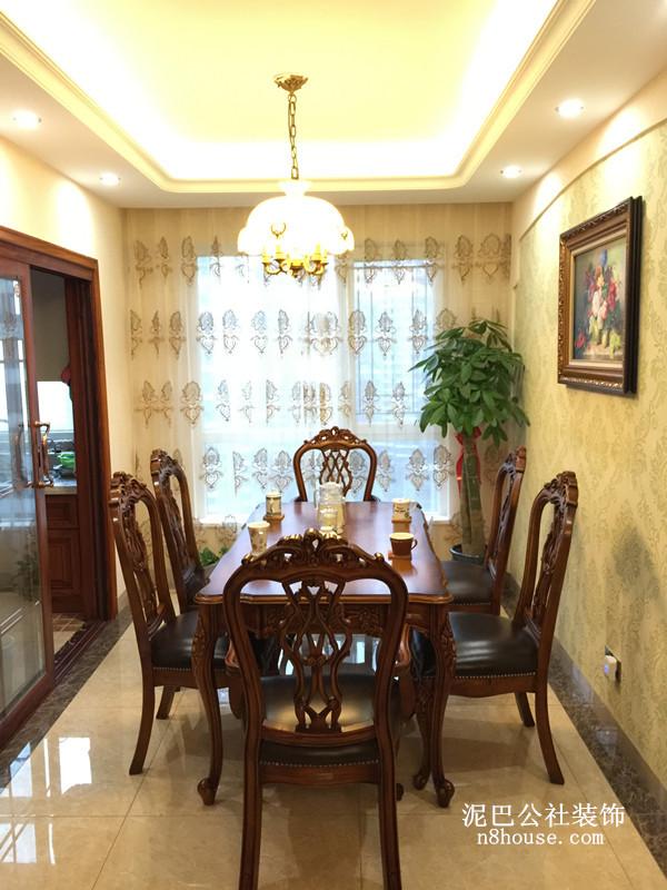 中式红木座椅,加软皮坐垫,配上山水壁画,中国味十足