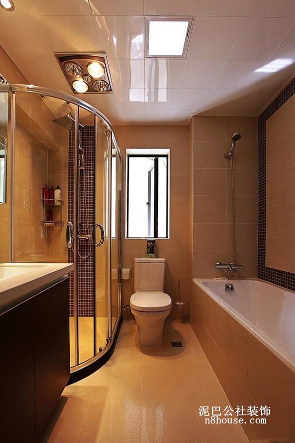 长方形浴室,上了一天班回到家,泡个热水澡是完美享受
