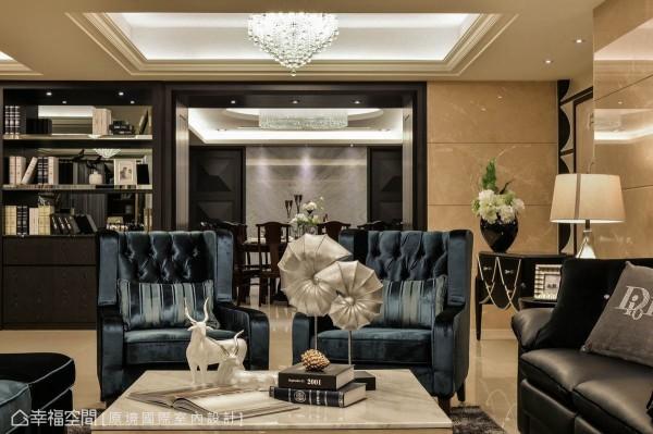 客、餐厅过渡间,透过门框设计确立了中轴线的存在之感,协调带出空间景深。