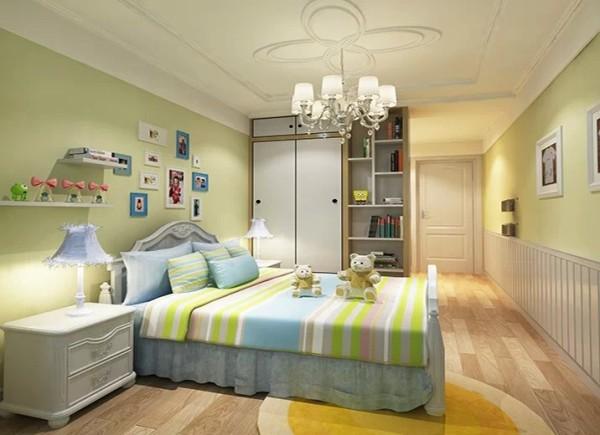 本案户型总面积130平米,三室一厅,运用虚实结合的方法,体现简洁、明快、大气、国际化的人居环境。优美的线条、精致的家私、纯粹的色彩,其间的典雅与奢华,相信是空间所欲达到的极致。