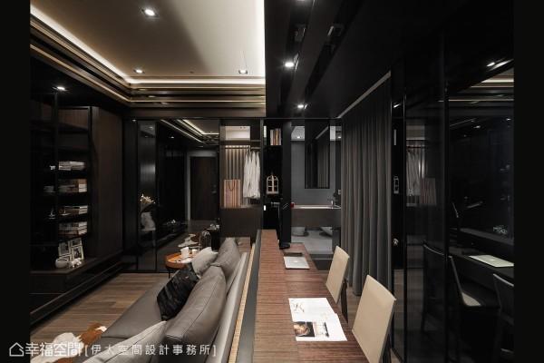 私领域动线立面,双向使用的卫浴洗手台与书架、衣物收纳柜共构,与玻璃、镜面的拉门造型,创造丰富的视觉景深层次。