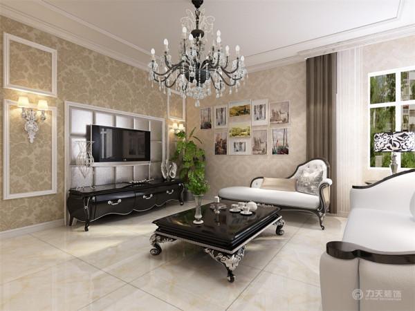 该户型泰达盛世郡三室两厅一厨一卫117㎡。设计的是一简欧风格的作品。
