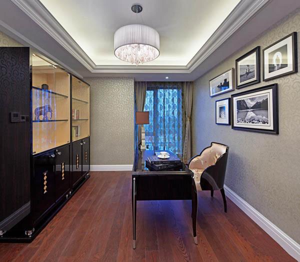 书房设计要点:简洁、明快 透过设计师巧手工艺,打造圣殿般的满室辉煌,也堆砌出屋主心目中的理想国度。
