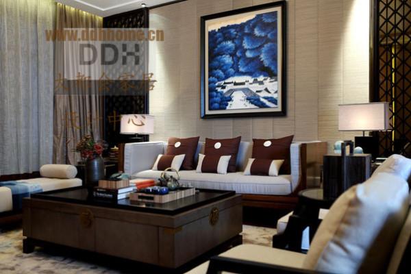 墙壁挂画使空间增添色彩,又能提高主人品位。