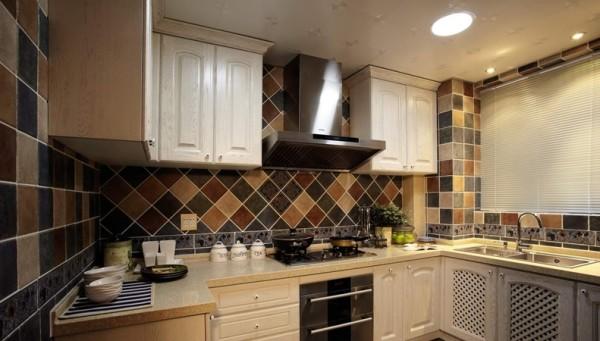 80后 小资 厨房图片来自沈阳百家装饰小姜在紫提东郡140平地中海风格图片