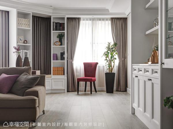 善加利用别墅的斜向格局,订制休闲卧榻及书柜,未来可以成为亲子互动空间。