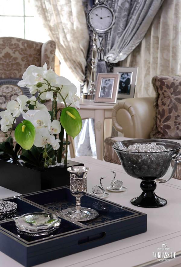 保利西山林语配饰设计之客厅花卉