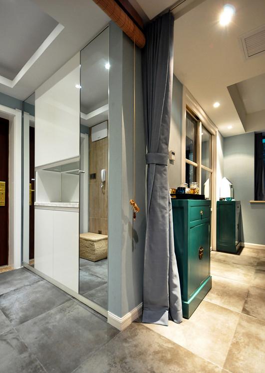 客厅图片来自家装大管家在活色生香 102平现代时尚3居室的分享