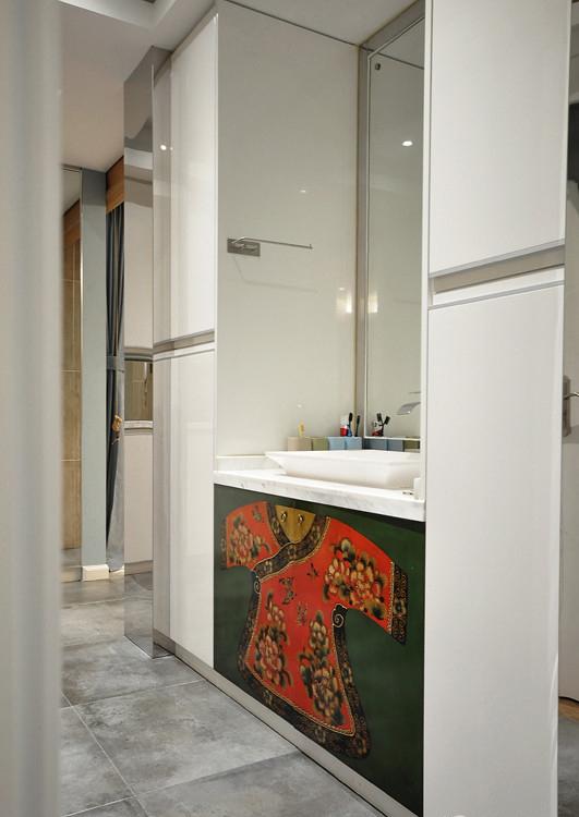卫生间图片来自家装大管家在活色生香 102平现代时尚3居室的分享