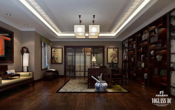 大的新中式百宝阁书柜、罗汉床、还有中式的工笔装饰画以及有传统韵味的青花瓷瓶,都使整个别墅空间设计洋溢着浓浓的中国文化底蕴。