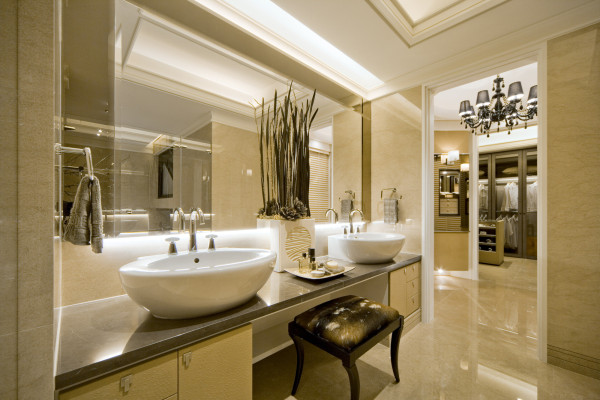 高质感的卫浴设备,采用分开的梳妆台,让格局更加人性化