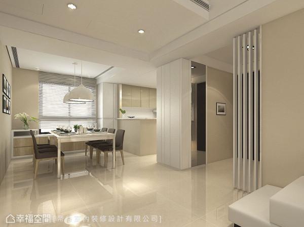 餐厅与客厅规划在水平动在线,前后日光贯穿,交融敞亮公场域样貌。 (此为3D合成示意图)
