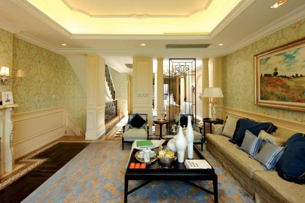 欧洲古典风格的家具一定要材质好才显得有气魄。