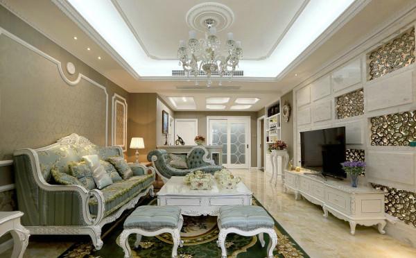 客厅的元素很多  沙发 背景墙都很漂亮