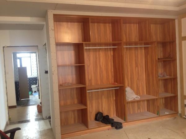木板是采用莫干山木板.