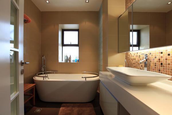卫生间浴盆设计