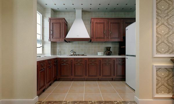美式厨房并不刻意追求设计,只要保留出足够的空间即可。如果说到设计方面,最大的特点就是空间大。 美式厨房强调自然、舒适、健康的生活状态,因此在厨房硬装材料的选择上设计师更偏爱原木、石头等有天然感的材质。