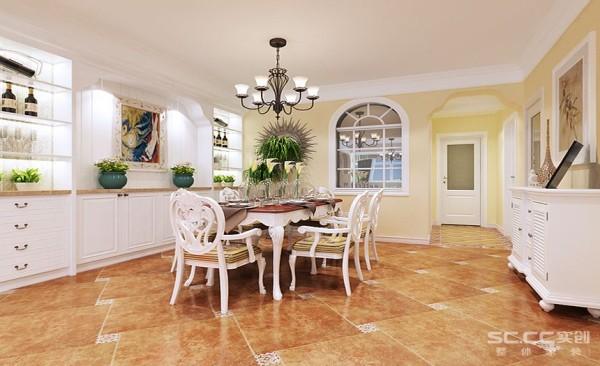 餐厅设计: 餐厅与厨房之间运用了百叶窗做分隔,再利用壁橱的装饰效果,充分体现了田园风格的设计手法。