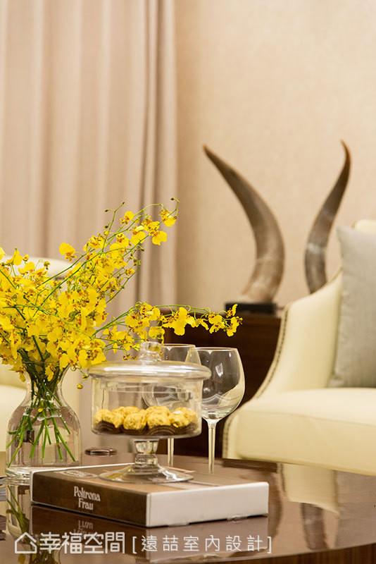精算比例搭配量身规划的家具配饰,堆砌出婉约馥暖的优雅姿态。