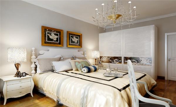卧室设计: 我是选用的是花色壁纸,一方面打破了原有空间大而单调的空间感,另一方面让空间颜色与造型得到一个质的提高