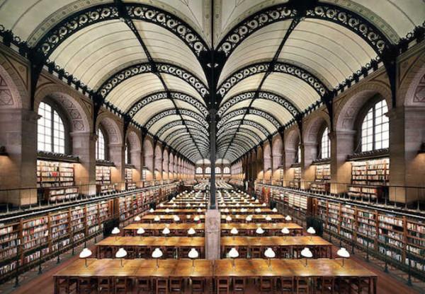圣日内维耶图书馆