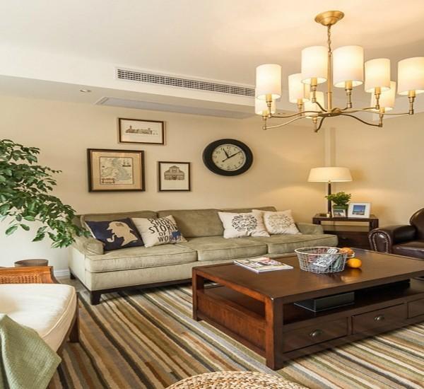 此案例设计师将布艺沙发得到极致的运用,朴实无华之下,任时光荏苒,于天海之间,悠然自然。穿过其中,迎面而来的是餐厅所有的流线型墙体,温暖而向阳。