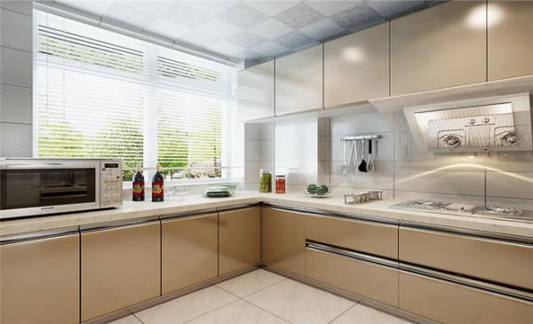 厨房采用的菱形仿古砖与实木白色橱柜相结合,流动富有质感,古典简约之美显而易见。