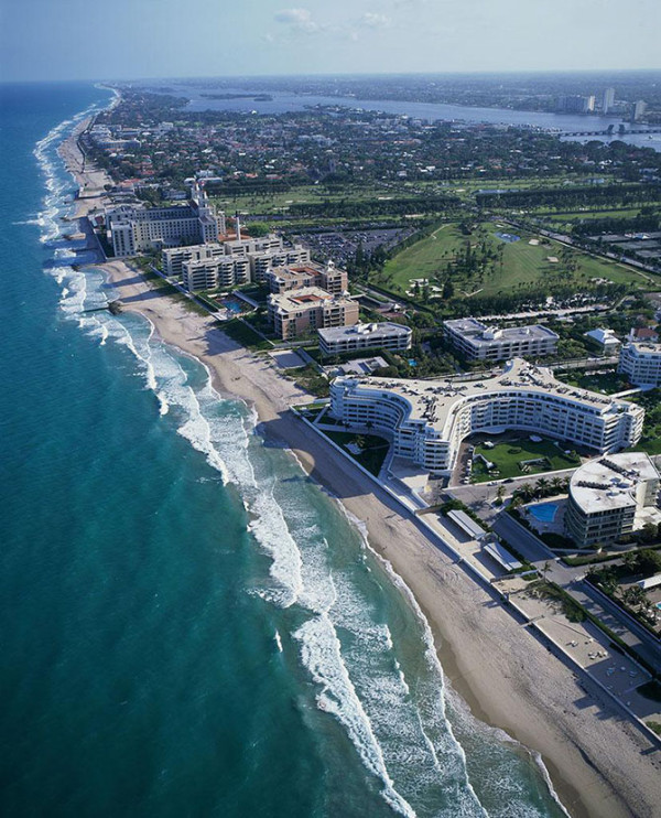 """""""佛罗里达"""" 源于西班牙语,意为""""鲜花盛开的地方"""",这个位于美国东南海岸线上的一个州,气候温暖,风景怡人。"""