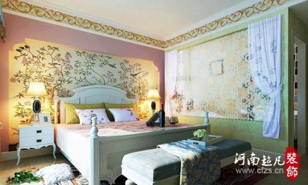 复古的地砖,真丝背景墙面,最具自然的花卉墙楣也是整个居室当中彰显重心的魅力之区,其软装的铺陈使之活灵活现。