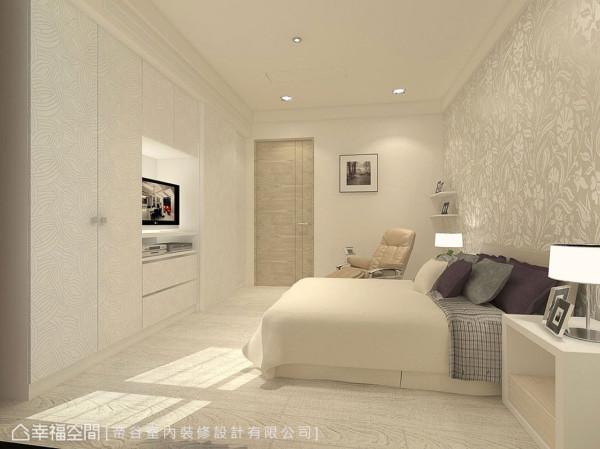 温馨简约的卧房空间,以进口壁纸搭配零甲醛系统柜铺陈温婉情调。 (此为3D合成示意图)