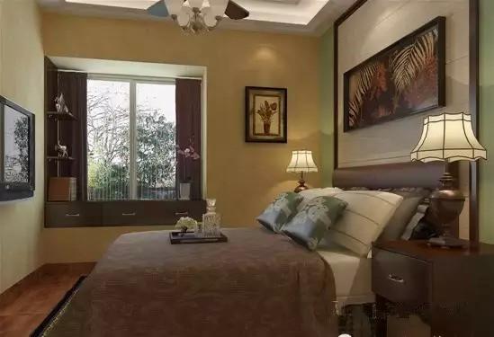 次卧由于空间受限,没有太多的柜子可摆放,故仿效客厅在飘窗位置花心思,增加收纳空间。
