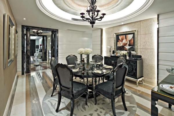 业主:林女士;本案例依据主人的爱好,做了一套温馨时尚的后现代简欧设计。设计中融合了现代感和大量的欧式元素,使整套房子呈现出奢华的感觉。