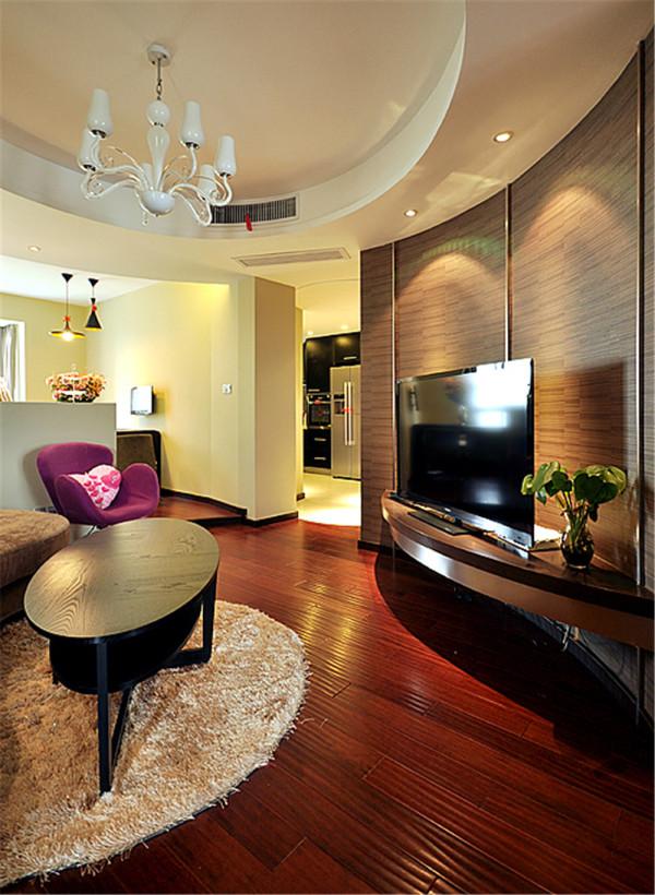 本案例大胆采用动线的设计理念,注重空间的实用性和灵活性,居室内的各个功能空间相互渗透,使得空间的利用率达到最高。