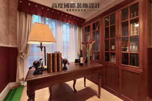当然书房就没有那么的活泼啦,一直都很喜欢卧室有个飘窗,虽然不能实现大大的落地窗,但是现在有个飘窗也很满意啦