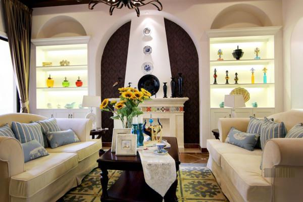 客厅的设计简单,颜色搭配比较亮丽、大方。