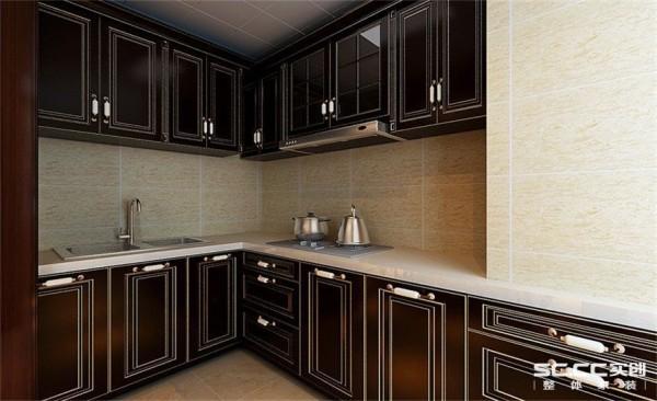 厨房设计: 橱柜选用颜色与整体匹配,整体深木色是空间更沉稳。