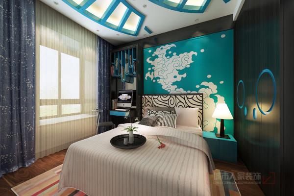 海洋主题的儿童房将中国古典航海的元素融和青花瓷与古代服饰中的海水纹图案。营造带着浓郁中国古典文化气息的海洋氛围,符合家庭的文化背景。