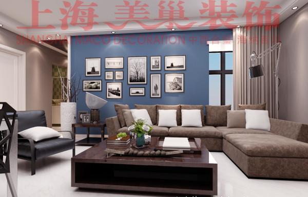 """瀚宇天悦87平现代简约风格沙发背景装修效果图:沙发墙是入户首先映入眼帘的一面墙,整体采用比较轻松的蓝色系底色,软装搭配上个性照片和窗帘,给人一种温馨放松的感觉"""""""