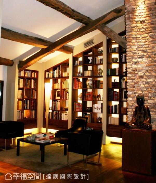 采用开放式设计,顺应天花板高低与梁柱结构,打造出悬浮式的书柜,透过光线的营造,呈现出轻盈漂浮感。