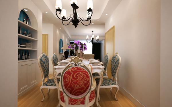 设计理念:厨房采用简欧白色橱柜年轻人,用量较少,所以采用开放式厨房。客厅、餐厅、厨房通透感较强,用整体的白色橱柜、白色餐桌为家居中增加一道靓丽的风景线。