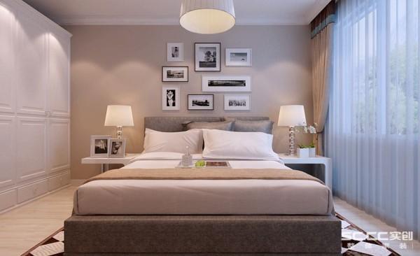卧室设计: 在卧室这个空间里,在充分考虑到业主的生活习惯和使用要求后,设计出整套装修方案,再搭配上精心考虑后挑选的软装饰家私及饰品摆件,营造出最适合本案业主所要求的家的感