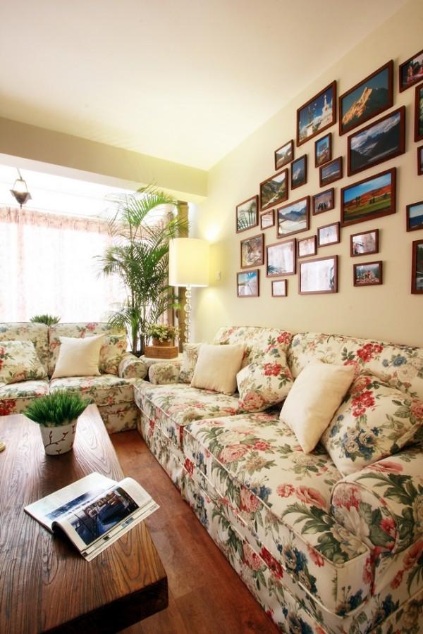 照片的设计不仅点缀了墙面,还整体的成为了一道亮丽的风景。