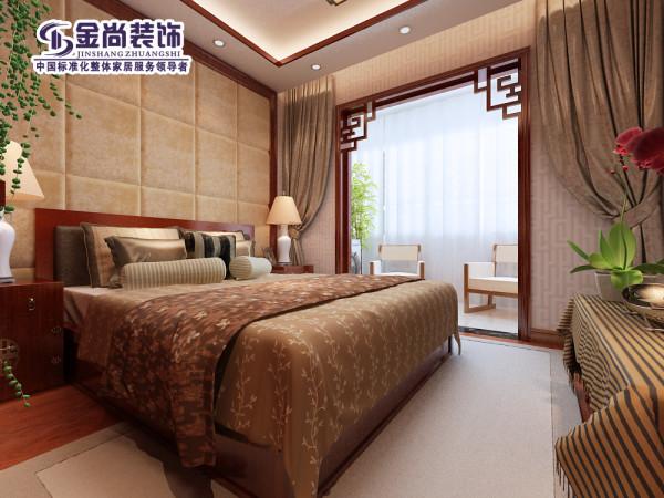 卧室用了左右对称的手法,中间是软包,仍旧突出柔软的感觉。色调均与客厅协调统一。