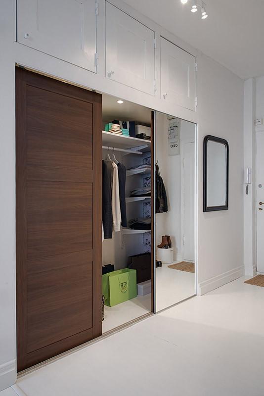 独特的衣柜,完全可以满足女性对服饰的储存的需要。