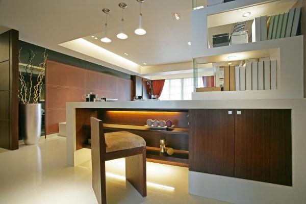 吧台的设计简单、整体看起来美观、大方。