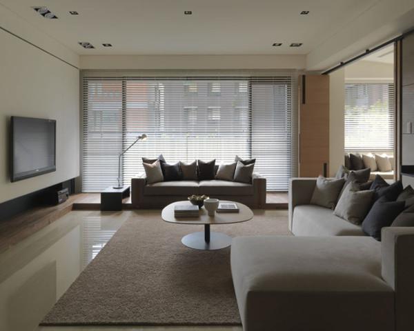客厅软装配饰设计尽可能不用装饰和取消多余的东西,认为任何复杂的设计。