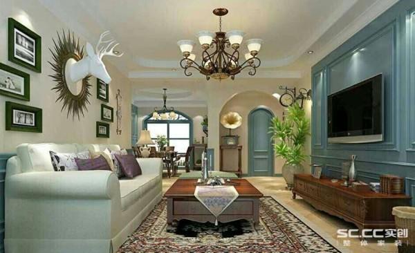 以浪漫主义为基础,常用大理石、华丽多彩的织物、精美的地毯、多姿曲线的平安家具,让室内显示出豪华、富丽的特点,充满强烈的动感效果。